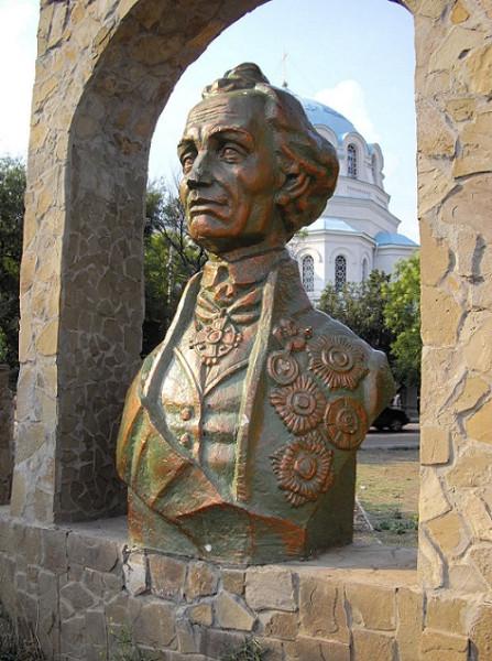 Памятник А. В. Суворову в Евпатории