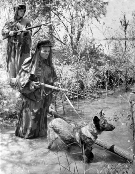 _Советские пограничники в дозоре. Фотография была сделана для газеты на одной из застав на западной границе СССР 20 июня 1941 года, то есть за два дня до войны