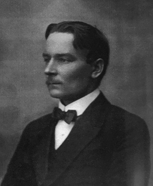 Иван (Йоханнес) Васильевич Кархапя. Фото 1910-х гг.