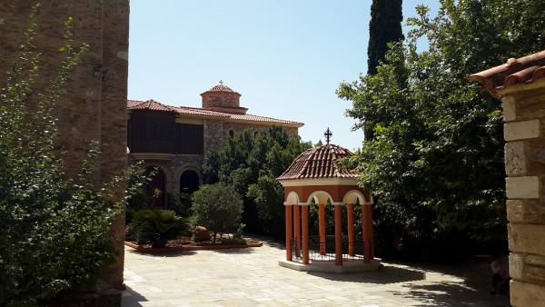 Монастырь Пантократор в Дау Пиндели