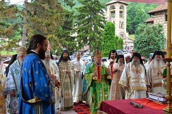 литургия_монастырь_Челие_Сербия_патриарх_Ириней