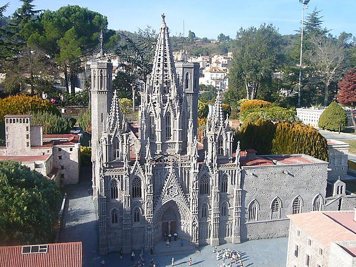 Собор_Святого_Креста_и_святой_Евлампии_Барселона