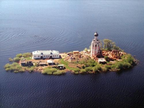 Спасо_Каменный_монастырь_восстанавливается