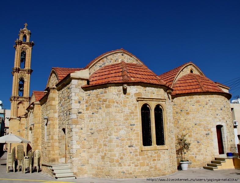 храм священномученика Киприана и мученицы Иустины в Менико, Кипр