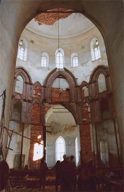 Гусь Железный храм внутри до реставрации
