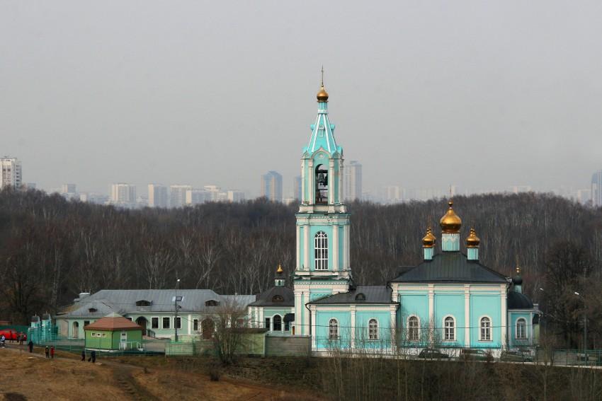 Церковь Рождества Пресвятой Богородицы в Крылатском