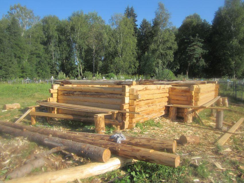 Строящаяся часовня в селе Никитское
