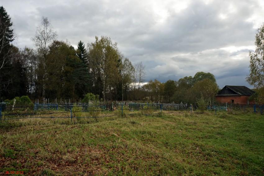 тут раньше стоял храм - Церковь Михаила Архангела - Никитское - Медынский район - Калужская область