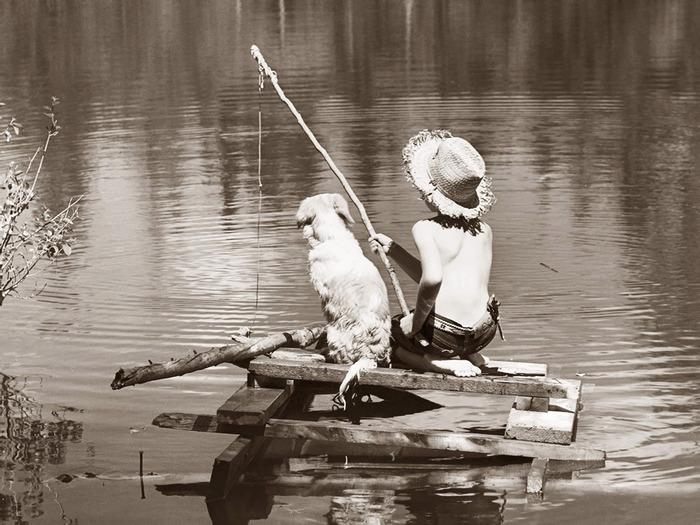 рыбак на берегу стихи