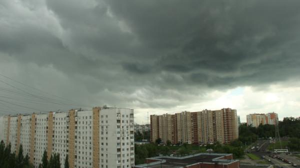 Грозовые облака 22.05.2016 над Москвой.