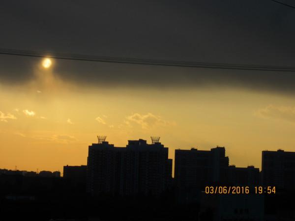 Заход Солнца ... в городских проводах