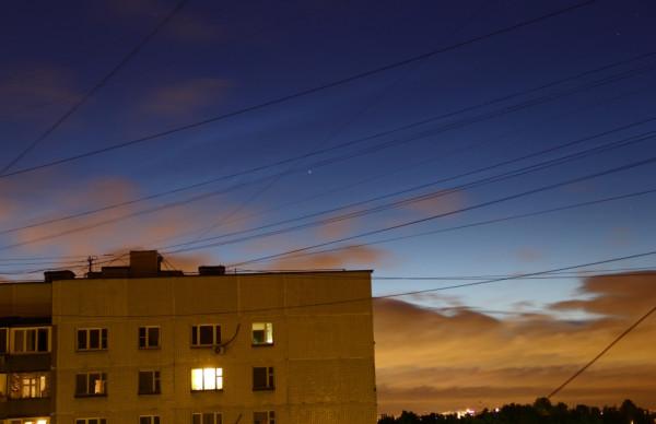 Серебристые облака 13.06.2016 в небе над Москвой.