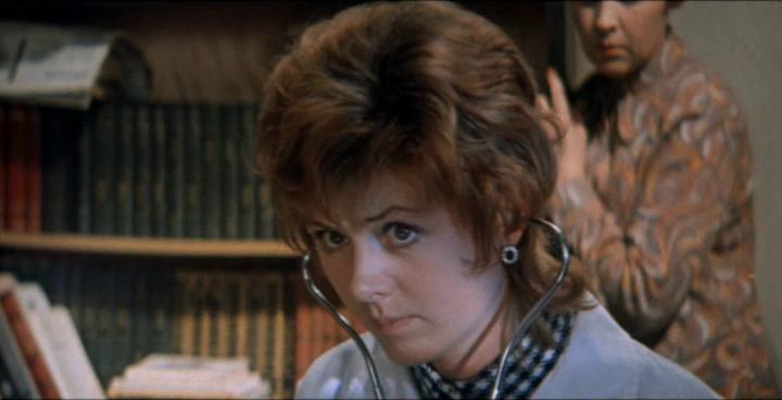 Точка, точка, запятая… . Режиссёр Александр Митта 1972.