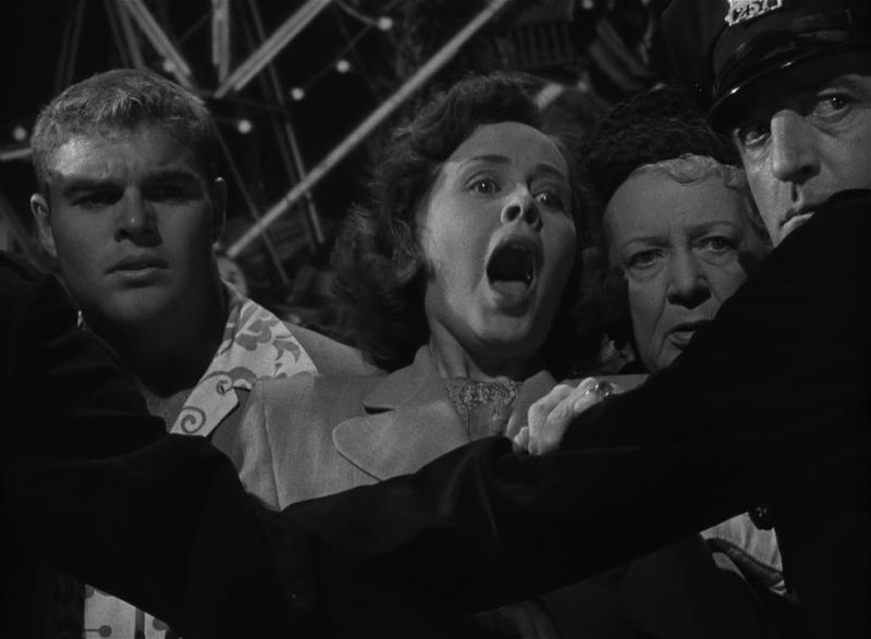 Незнакомцы в поезде. 1951 год. Рейтинг фильма - 7,970. 745-е место в Золотой Тысяче.