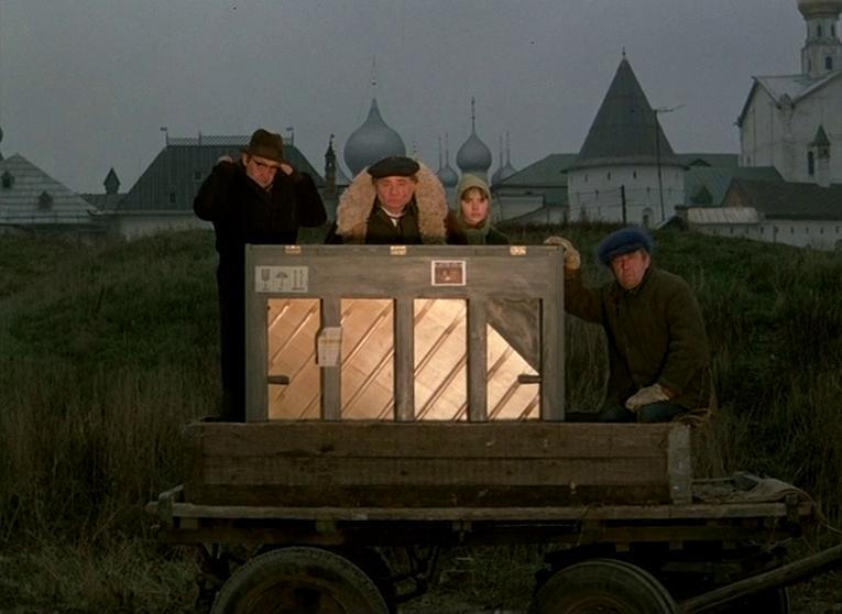 Слёзы капали. 1982 год. Рейтинг фильма - 8,115. 573-е место в Золотой Тысяче.