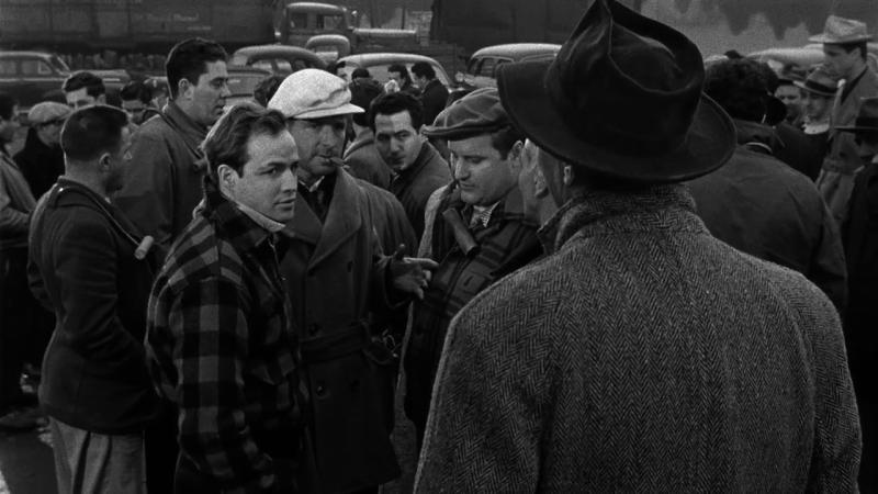 В порту. 1954 год. Рейтинг фильма 9,569. 70-е место в Золотой Тысяче.