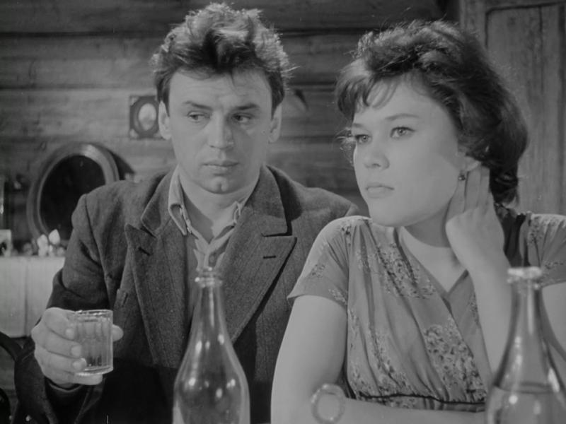 Девять дней одного года. 1961 год. Режиссёр Михаил Ромм. Рейтинг фильма - 8,556. 299-е место в Золотой Тысяче.