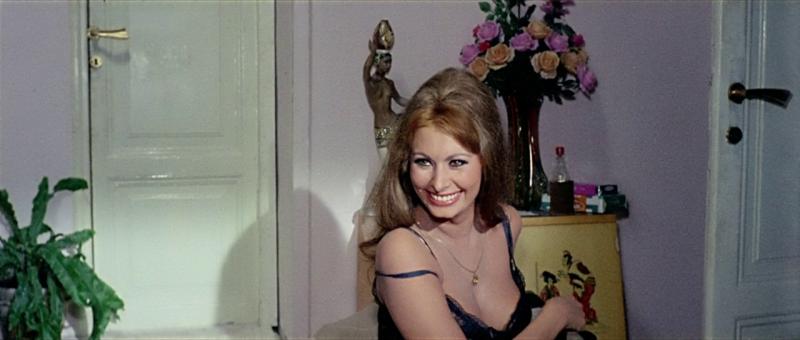 Вчера, сегодня, завтра. 1963. Режиссёр Витторио Де Сика.