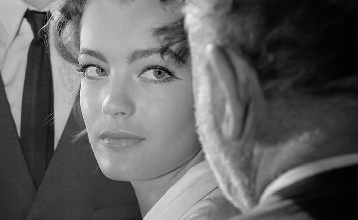 Процесс. 1962. Режиссёр Орсон Уэллс. Рейтинг фильма 7,815. 960-е место в Золотой Тысяче.
