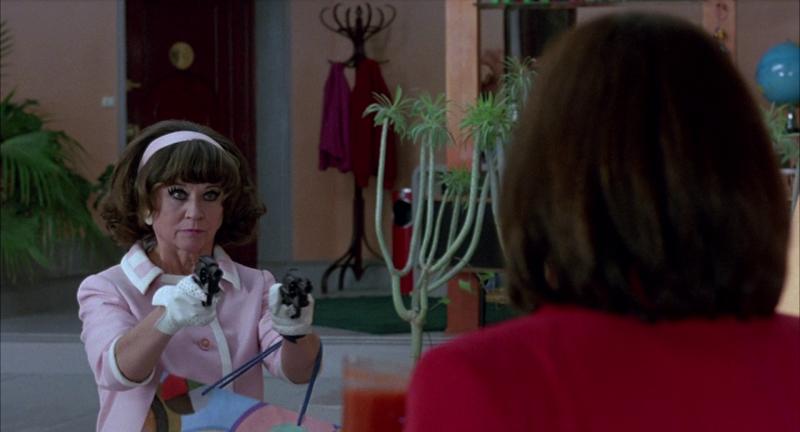 Женщины на грани нервного срыва. 1988. Рейтинг фильма - 8,733. 229-е место в Золотой Тысяче.
