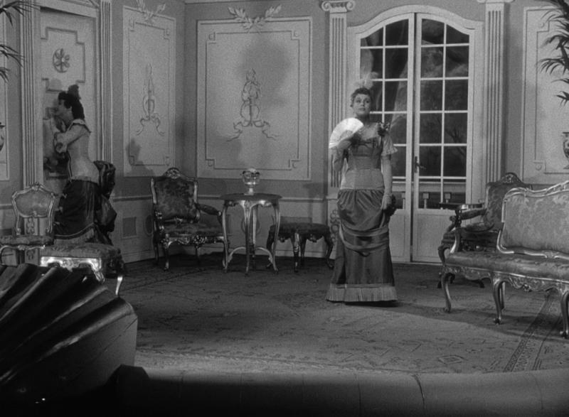 Улыбки летней ночи. 1955. Рейтинг фильма - 8,258, 441-е место в Золотой Тысяче.