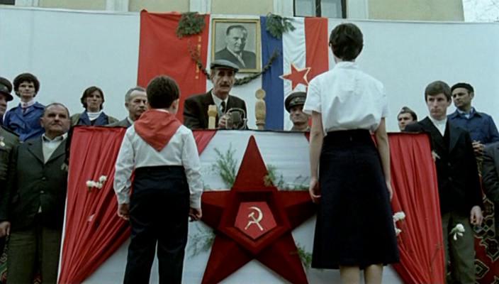 Папа в командировке. 1985. Рейтинг фильма - 8,792. 210-е место в Золотой Тысяче.
