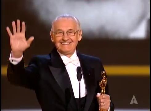 Анджей Вайда при вручении почётного Оскара. 2000-й год.