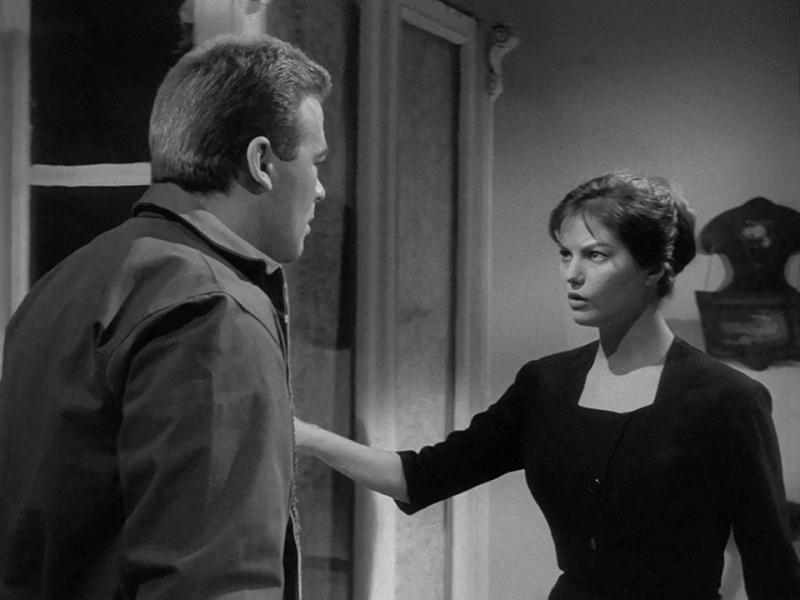 Злоумышленники, как всегда, остались неизвестны. 1958. Режиссёр Марио Моничелли. Рейтинг фильма - 8,548, 300-е место в Золотой Тысяче.