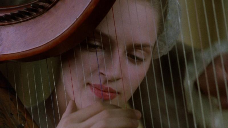 Опасные связи. Режиссёр Стивен Фрирз, 1988. Рейтинг фильма - 8,792, 219-е место в Золотой Тысяче.