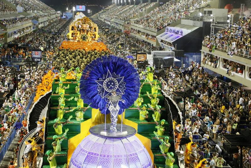 rio-carnival-2013-uniao-da-lha-do-govervador-8