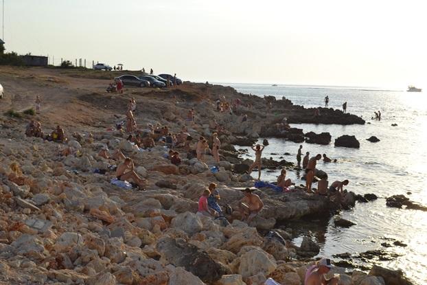 море люди камни_0363