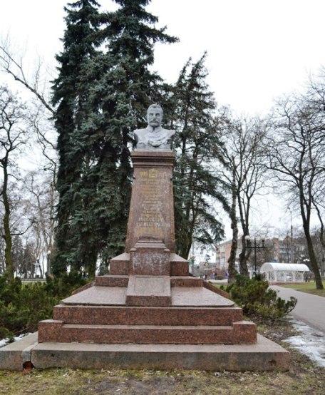 памятник фрунзе_0468 (1)