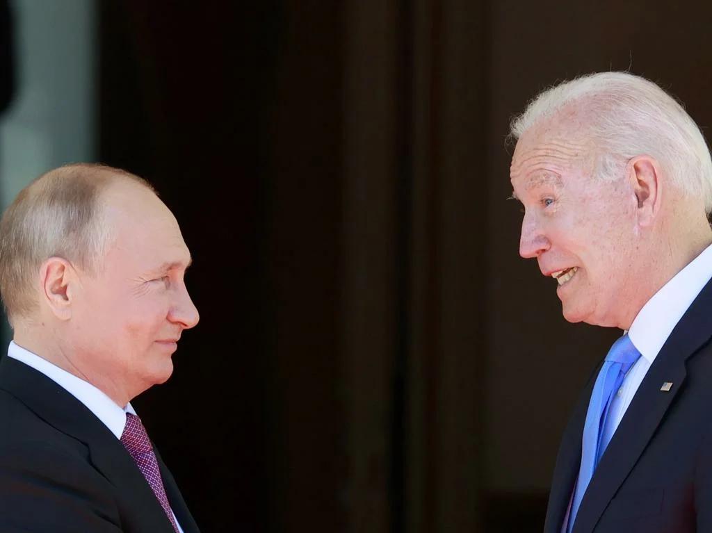 Владимир Путин и Джо Байден на встрече в Женеве в июне 2021. Фото: epa09276140