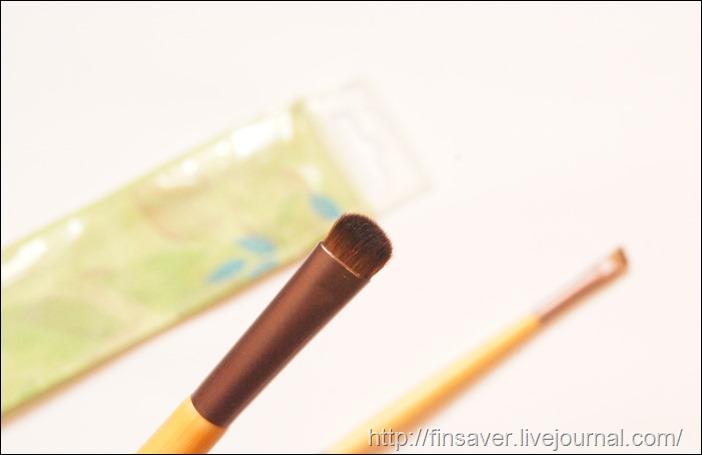 EcoTools, Набор увеличивающих взгляд кисточек для теней, 2 шт. с 4 разными насадками-аппликаторами дешево органика шруки iherb.com отзывы купон на скидку в 10$ инструкция как сделать заказ акции скидки   косметика БАДы витамины бюджетные качественные