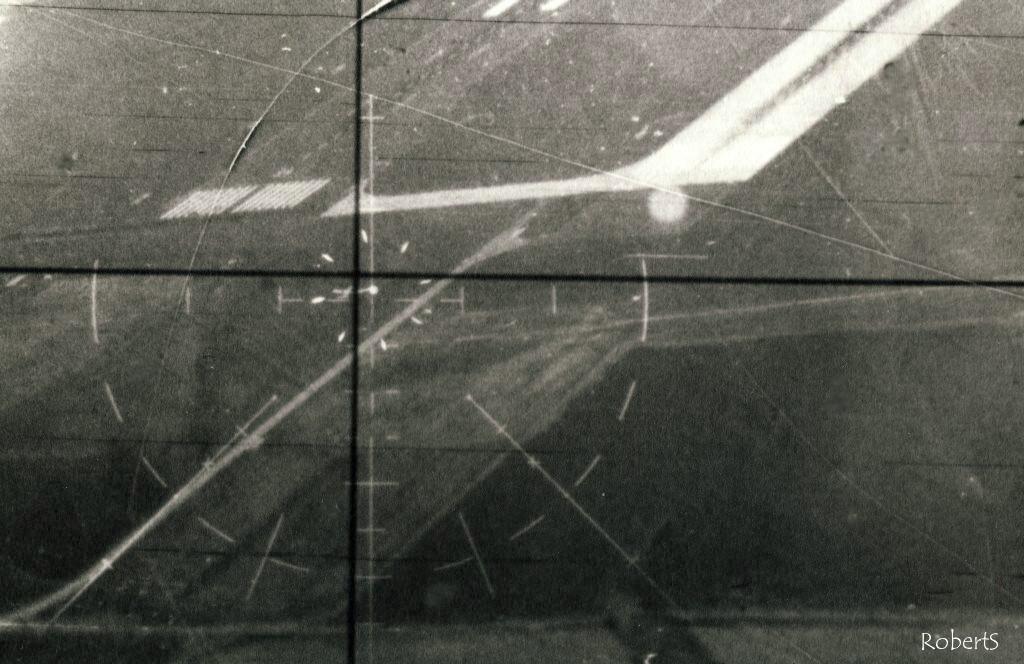 اعجاز: صورة نادرة للميج 21 المصرية تغلق علي f18 horent في مناورة النجم الساطع 85 !!!!!! - صفحة 3 0005r5ht