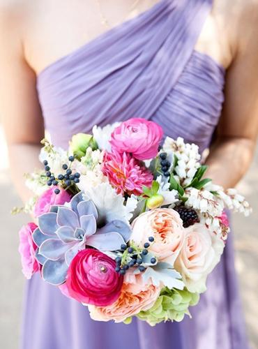 summer-wedding-flower-trends-2013-textural-lush-bouquet