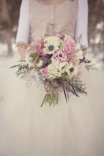 wedding_wedding_bouquets_winter-2ab1cfb120c3bf01660aca0ec707a9cf_h_large