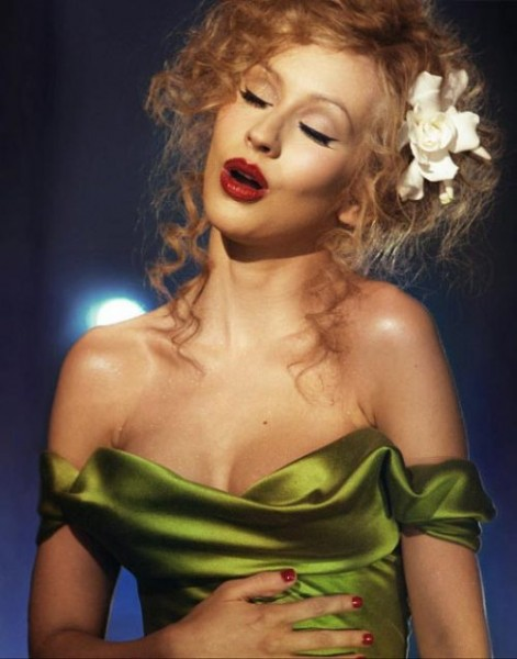 christina-aguilera-burlesque-makeup-red-lips
