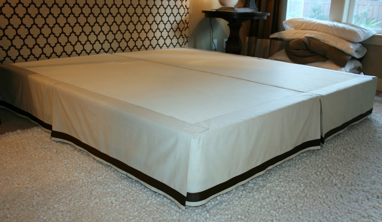 Как сшить на кровать подзор 838