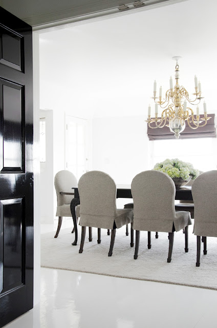 kathleen clements hollywood hills dining room gray white black murano glass chandelier formal cococozy