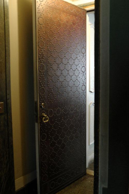 nailhead-door