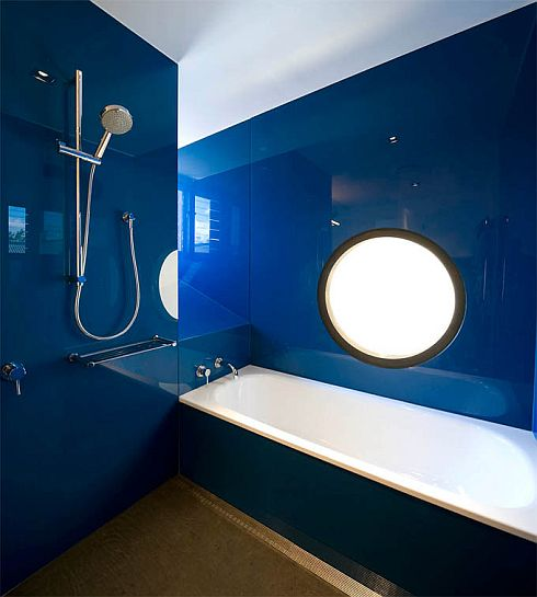 contemporary-minimalist-blue-bathroom-interior