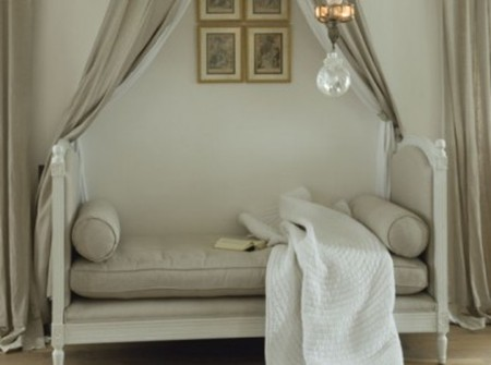 gray-french-daybed-with-canopy-linen-fabric-via eclectic revisisted