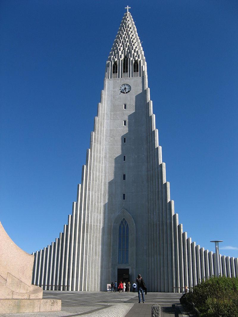 800px-Reykjavik's-church