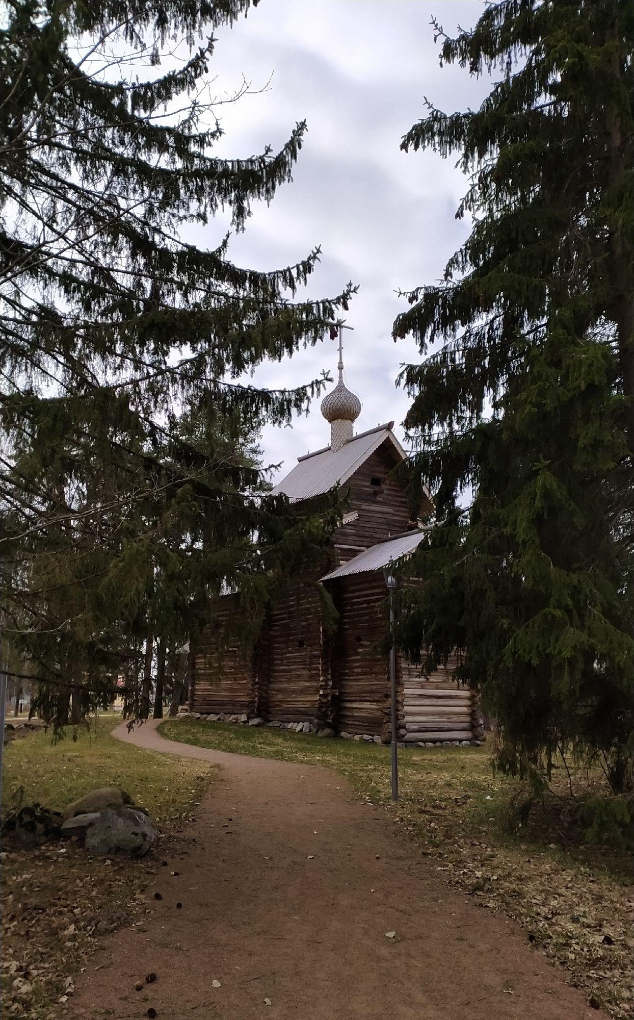 Ещё одна церковь.