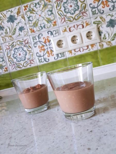 пудинг с какао и кокосом