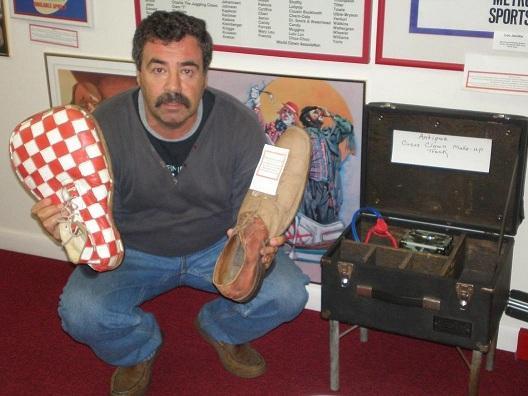 Александр Росин в музее клоунов в в Лэйк-Плэсиде, Флорида.