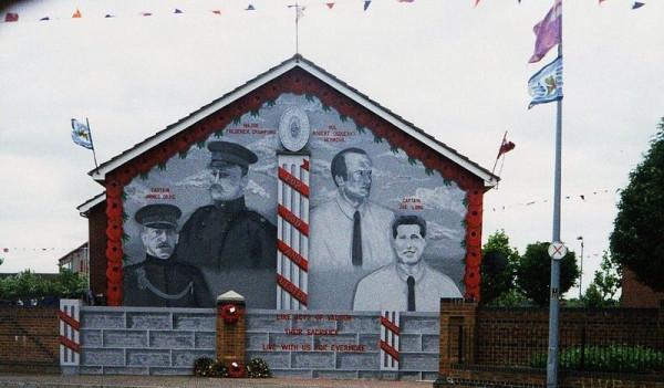 800px-Loyalist_mural2_Island_Street_Belfast