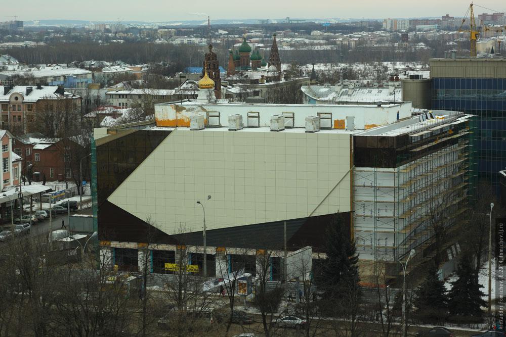 17-aura-roof