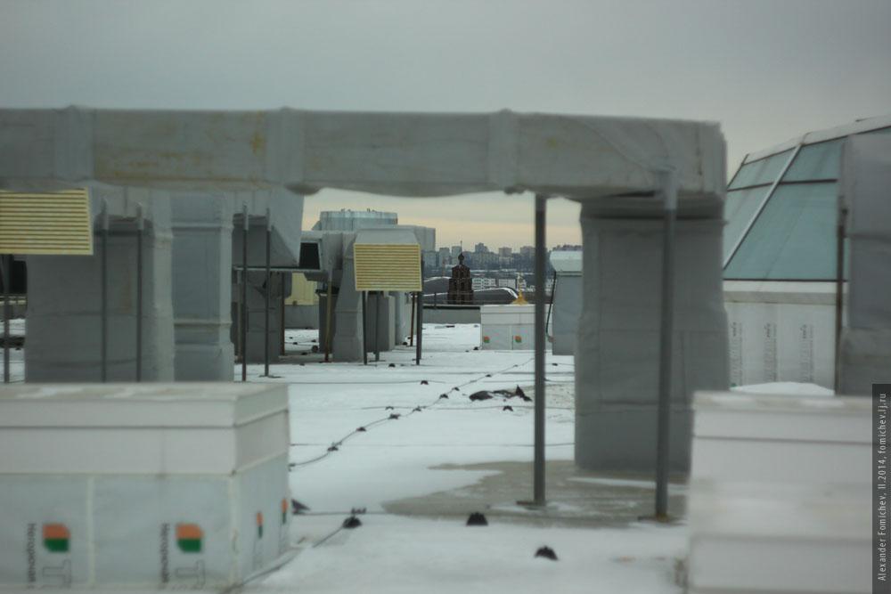 08-aura-roof